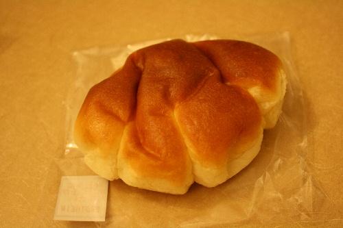 ベッカライ ブロートハイム クリームパン