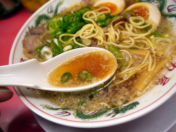 ラーメン魁力屋 特製醤油味玉ラーメン(スープ)
