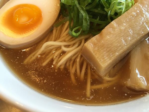 めん奏心 丸鶏中華そば(スープ)