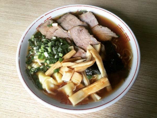 中西屋食堂 ワンタン麺