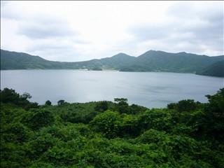 永里竹山から久賀湾を見る