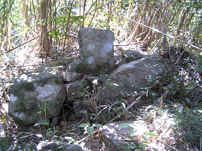 折紙にある潜伏キリシタンの墓