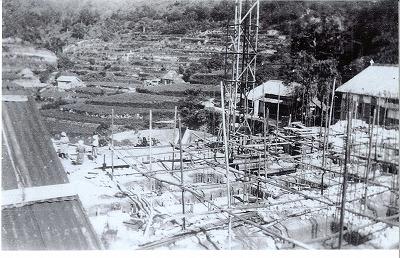建設中の浜脇教会堂
