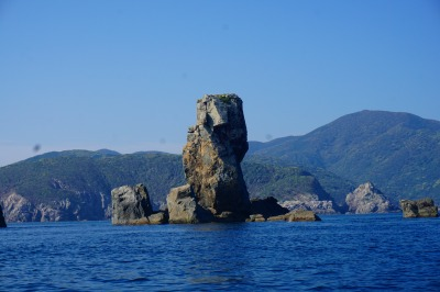 立岩(立神岩)