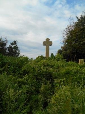 細石流墓地の大十字架