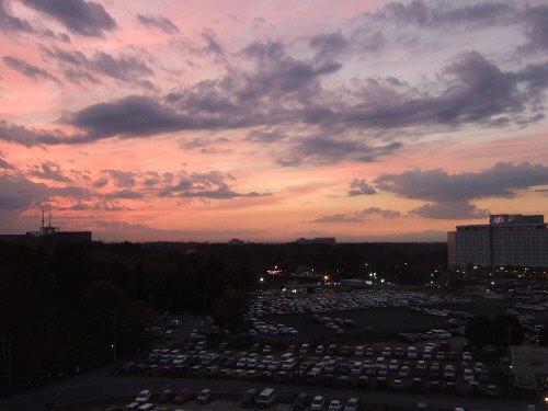 成田空港周辺ホテルホテル日航ウインズ成田部屋から見た夕景:スペイン旅行記