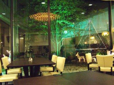 成田空港周辺ホテルホテル日航ウインズ成田レストランJardinジャルダンから見える箱庭