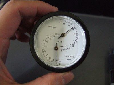 旅のお供、小型温度計湿度計兼用:スペイン旅行記