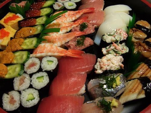 正月だから寿司。と言っても宅配寿司
