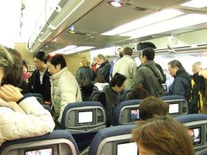 成田空港発(NRT)スカンジナビア航空Scandinavian Airlines - SAS Airbusエアバス A340-313X OY-KBI SK984便デンマークコペンハーゲン空港(CPH)行き。C33スポット到着後降機準備中