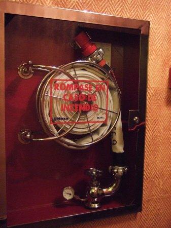 スペインマドリードマドリッドホテルウエリントンウェリントンHOTEL WELLINGTON五つ星ホテル中央廊下消火栓消防ホース消火ホース