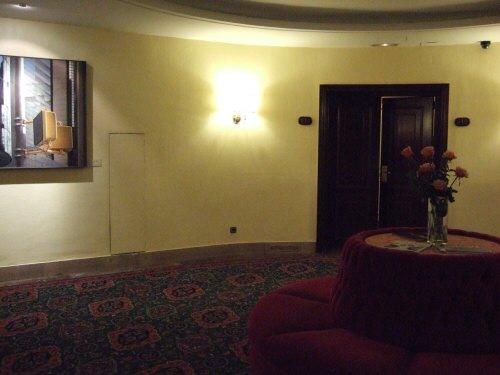 スペインマドリードマドリッドホテルウエリントンウェリントンHOTEL WELLINGTON五つ星ホテル入り口は観音扉ゴージャスな部屋