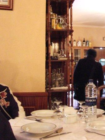 世界遺産トレド(世界自然遺産)Toledoトレドからラマンチャ地方・コンスエグラのレストラン店内の様子