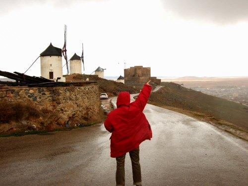 世界遺産トレド(世界自然遺産)Toledoトレドからラマンチャ地方・コンスエグラの風車を指さすはずの相方