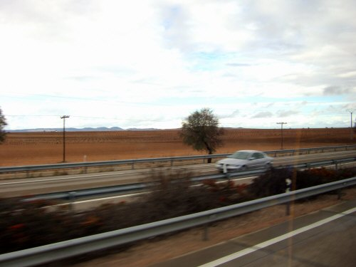 風車の町ラマンチャ地方・コンスエグラからマドリッドマドリードを目指し高速道路を走る