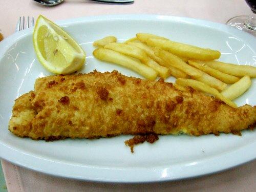白身魚のフリッターメルルーサのフリッター?深海魚のフリッター?
