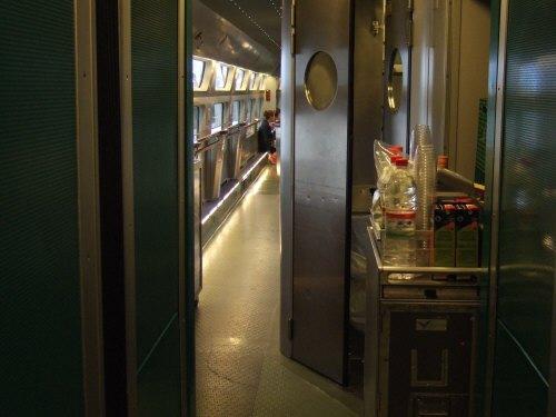 Espana España(エスパーニャ)SPAIN MADRIDマドリッドマドリードアトーチャ駅Vieja Estacion de Atocha駅舎内駅構内スペインの新幹線高速鉄道AVEアベアヴェのホームへAVE9624号セビーリャ行きセビージャ行きセビリヤ行き列車内カフェテリア軽食