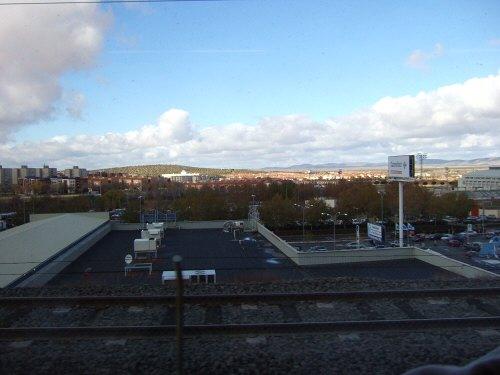 Espana España(エスパーニャ)SPAIN MADRIDマドリッドマドリードVieja Estacion de Atochaアトーチャ駅発コルドバ、セビージャ行きスペインの新幹線高速鉄道AVEアベアヴェAVE9624から見えた風景PUERTOLLANOプエルトジャノ
