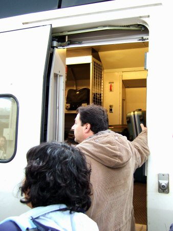 Espana España(エスパーニャ)SPAIN MADRIDマドリッドマドリードVieja Estacion de Atochaアトーチャ駅発コルドバ、セビージャ行きスペインの新幹線高速鉄道AVEアベアヴェAVE9624から見えた風景コルドバ中央駅CORDOBA CENTRAL貨物室荷物室