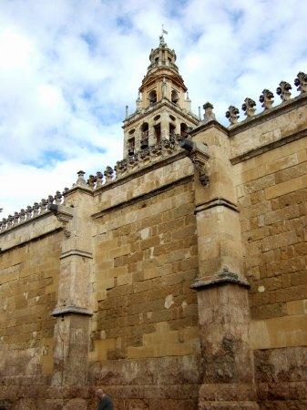 Espana España(エスパーニャ)SPAIN コルドバcordobaコルドバアルカサル通りアルカサルアルカサールAlcazarアンダルシア地方メスキータミナレット(イスラム寺院の尖塔)アルミナールの塔?