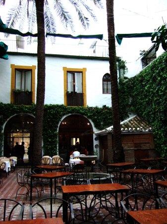 Espana España(エスパーニャ)SPAIN コルドバcordobaコルドバアルカサル通りアルカサルアルカサールAlcazarアンダルシア地方メスキータトリホス通りC.Torijosレストラン「Restaurante Patio Cordobes」又は「Bandolero Restaurante」で遅めのお昼ご飯