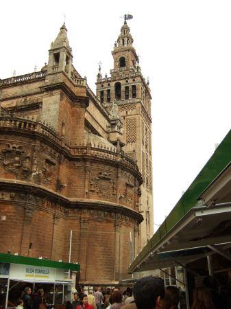 España(エスパーニャ)SPAINフラメンコの本場セビリヤへSEVILLAセビリアセビージャセビーリャ世界遺産世界文化遺産世界三大カテドラルの一つセビリア・カテドラルセビリア大聖堂ヒラルダの塔Pl.del Triunfoトリウンフォ広場ヨーロッパのクリスマス市場クリスマスバザール