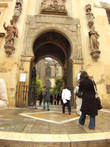 España(エスパーニャ)SPAINフラメンコの本場セビリヤへSEVILLAセビリアセビージャセビーリャ世界遺産世界文化遺産世界三大大聖堂の一つセビリア・カテドラルセビリア大聖堂Alemanesオレンジの中庭Patio de Naranjasオレンジのパティオ
