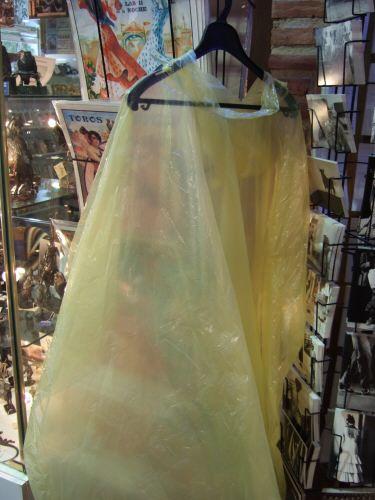 EspañaエスパーニャSPAINセビリヤSEVILLAセビリアセビージャセビーリャからコスタ・デル・ソル、ミハスへCOSTA DEL SOL Mijas abades de la rodaナイアガラの滝霧の乙女号かジャーニー・ビハインド・ザ・フォールズの黄色いビニール合羽