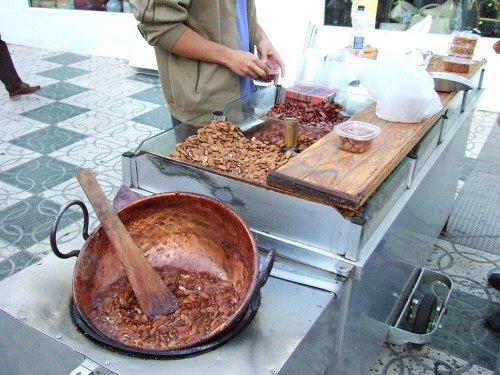 エスパーニャSPAINセビリヤSEVILLAセビリアセビージャセビーリャからコスタ・デル・ソル、ミハスへCOSTA DEL SOL Mijasミハスの街角写真アーモンドのお菓子屋台アーモンドの砂糖まぶして炒った