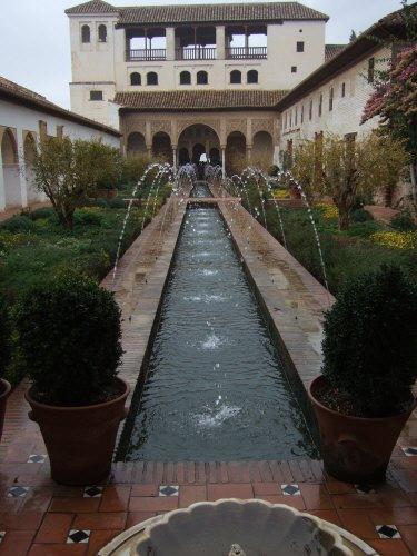 エスパーニャSPAINアンダルシア地方グラナダGRANADA世界遺産世界文化遺産アルハンブラ宮殿Palacio de la Alhambraヘネラリーフェ庭園Jardin de Generalifeアセキアの中庭