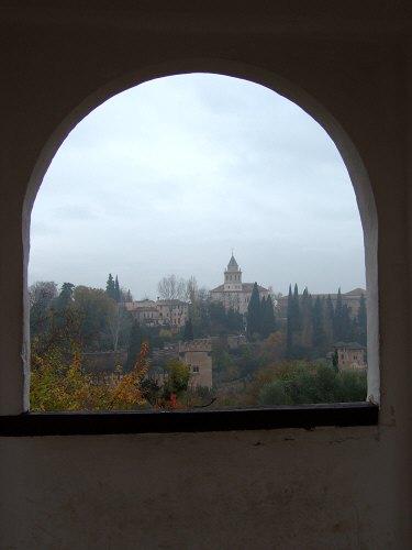エスパーニャSPAINアンダルシア地方グラナダGRANADA世界遺産世界文化遺産アルハンブラ宮殿Palacio de la Alhambraヘネラリーフェ庭園Jardin de Generalifeアセキアの中庭から観たアルハンブラ宮殿