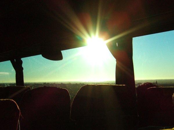 エスパーニャSPAINバレンシア地方バレンシア州都ホテルホリデイインバレンシア高速道路E15から見える地中海と朝日輝く太陽の光り
