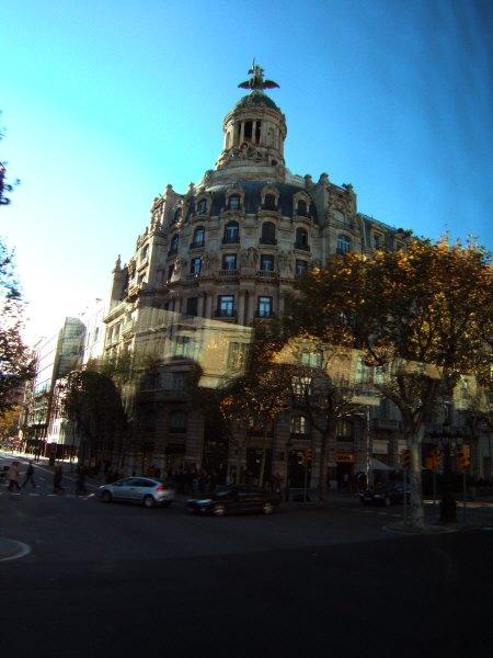 エスパーニャSPAINカタルーニャ地方・バルセロナBarcelona市街地の風景スペインのファッションブランド、プリフィカシオン・ガルシア Purificacion Garciaの入った建物?