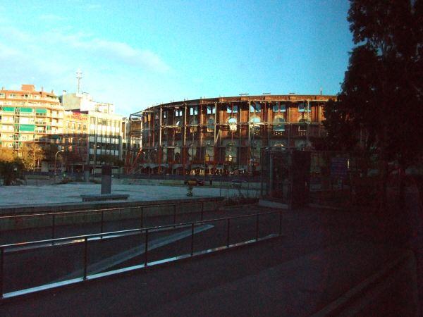 エスパーニャSPAINカタルーニャ地方・バルセロナ市街地の風景改装工事中の闘牛場