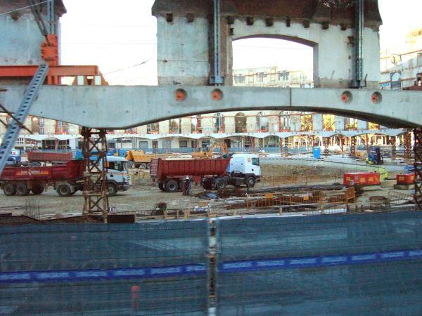 エスパーニャSPAINカタルーニャ地方・バルセロナ市街地の風景改良工事改装工事中の闘牛場