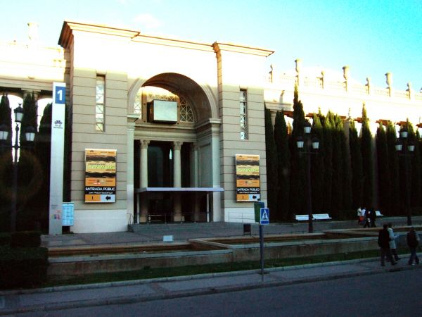 エスパーニャSPAINカタルーニャ地方・バルセロナ市街地の風景スペイン広場Placa de Espanyaバルセロナの見本市会場展示場