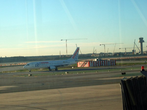 エスパーニャSPAINカタルーニャ地方・バルセロナ空港BCNバルセロナプラット空港エアーヨーロッパEC-JBJ AirEuropa Boeing 737-85P
