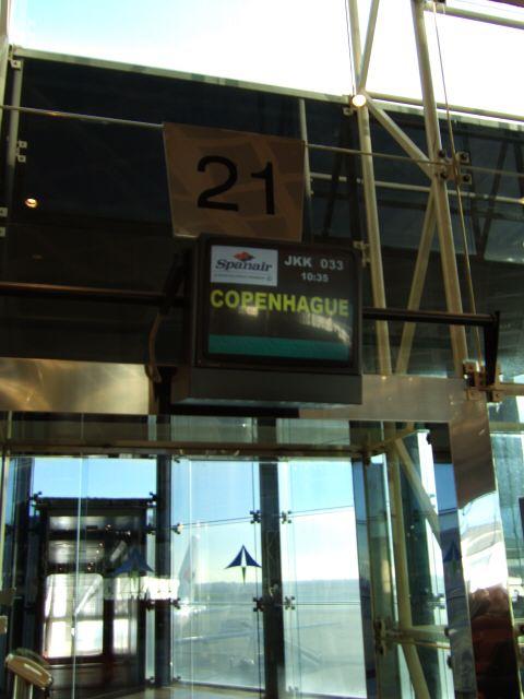 エスパーニャSPAINカタルーニャ地方・バルセロナ空港BCNバルセロナプラット空港gate21
