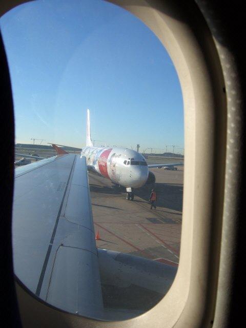 エスパーニャSPAINカタルーニャ地方・バルセロナ空港BCNバルセロナプラット空港aireuropa Disneyland Resort Paris EC-IXE Boeing 737-883旅客機B737