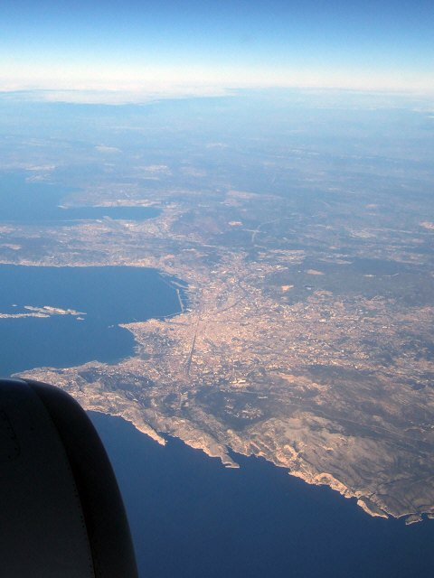 SPANAIR EC-IMB エアバスAIRBUS A320-200 フランス・マルセイユの街 マルセイユ港Zizouジズーの故郷