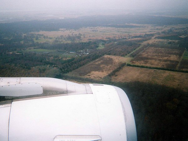 SPANAIR EC-IMB エアバスAIRBUS A320-200コペンハーゲン国際空港着陸寸前の景色