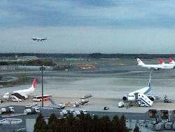 ホテル日航ウインズ成田から見えた成田空港写真