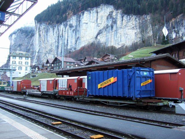 スイス・ユングフラウヨッホ観光ラウターブルネンLauterbrunnenBOB登山鉄道WAB登山鉄道シュタウプバッハの滝シュタウバッハの滝