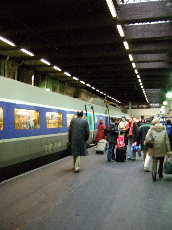 スイスジュネーブからパリへ新幹線フランス国鉄 (SNCF)の高速鉄道TGVparisパリスガール・ド・リヨンガールドゥリヨンガール・ドゥ・リオン