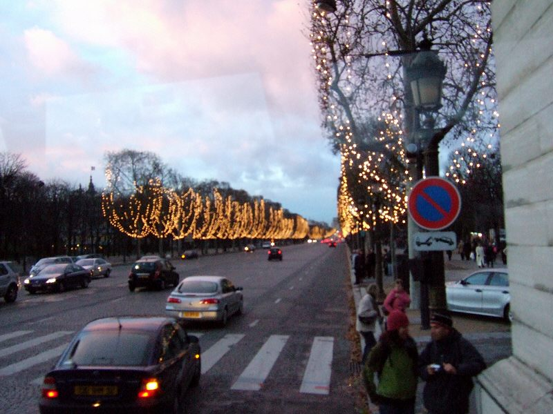 フランスパリの街角写真france-parisパリマップ地図パリ市内観光Av.des Chams-Elyseesシャンゼリゼー通りシャンゼリゼー大通り