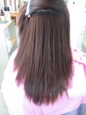 真っ直ぐすぎるストレートヘア 真っ直ぐになり過ぎない縮毛矯正 奈良市 西大寺 学園前