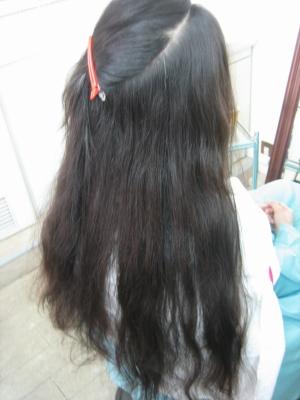 美容師 スーパーロング ヘア 髪