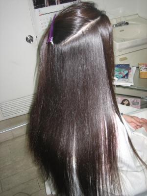 綺麗な髪の後姿 奈良 美容室