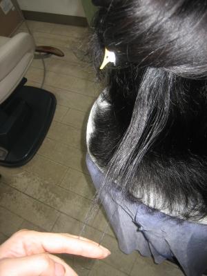 根元から減らされた髪