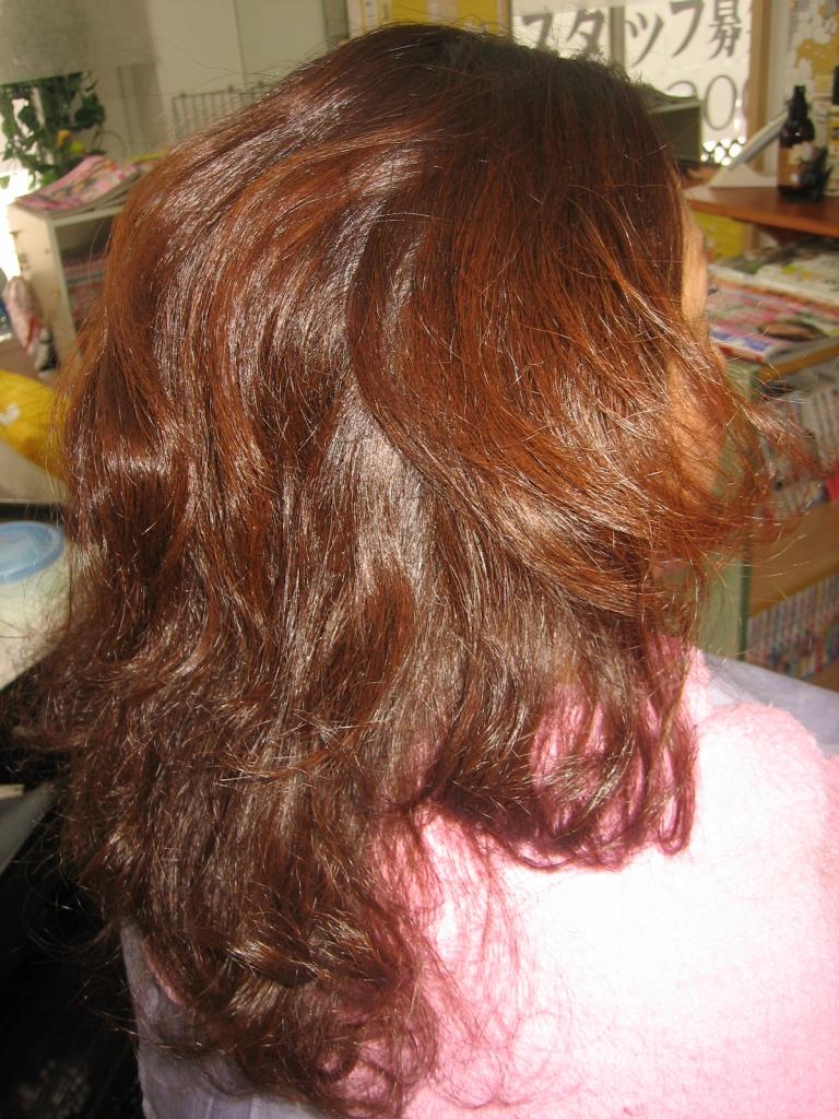 髪の量を減らしたい 美容室 奈良市